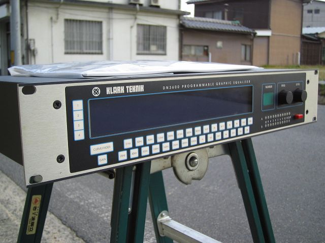 中古機材 KLARK-TEKNIK DN3600 Programmable Graphic Equaliser